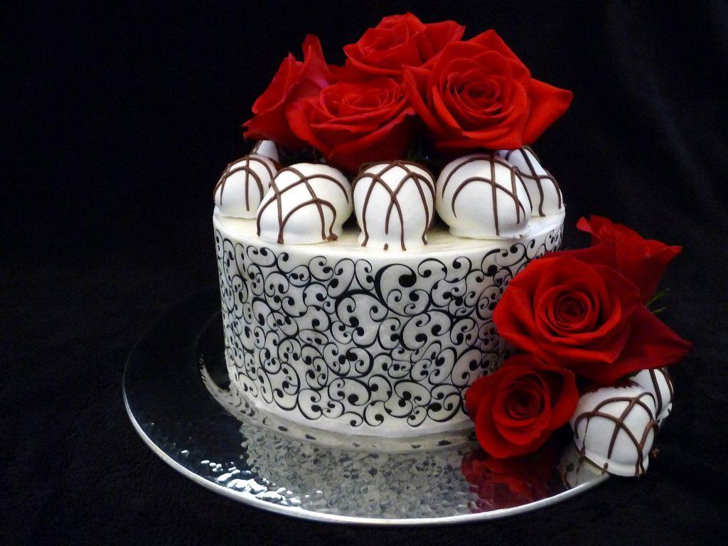 Brilliant Birthday Cakes Chantals Cakes And Desserts Unique Unforgettable Funny Birthday Cards Online Alyptdamsfinfo